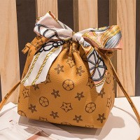 Stars Texture Strap Casual Messenger Bag - Yellow