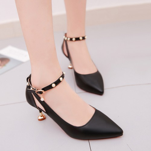 High Heels Hollow Buckle Rivet Shallow Mouth Shoes - Black
