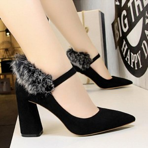 Woolen Back Pointed Toe Thick Heel - Black
