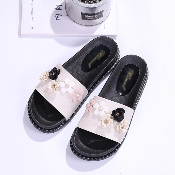 Floral Patch Flat Bottom Casual Sandals - White