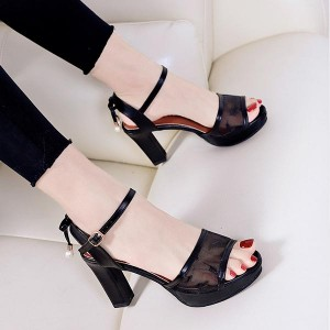 Pearl Hanging Buckle Closer High Heel - Black